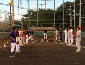 定期的に開催される野球大会で、社内のコミュニケーションも円滑に!